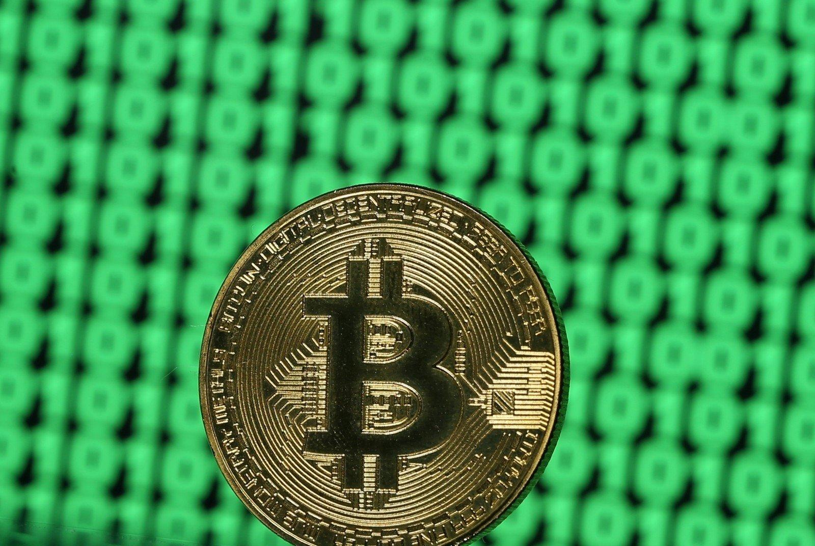 investuoti kriptovaliut turint maai pinig)