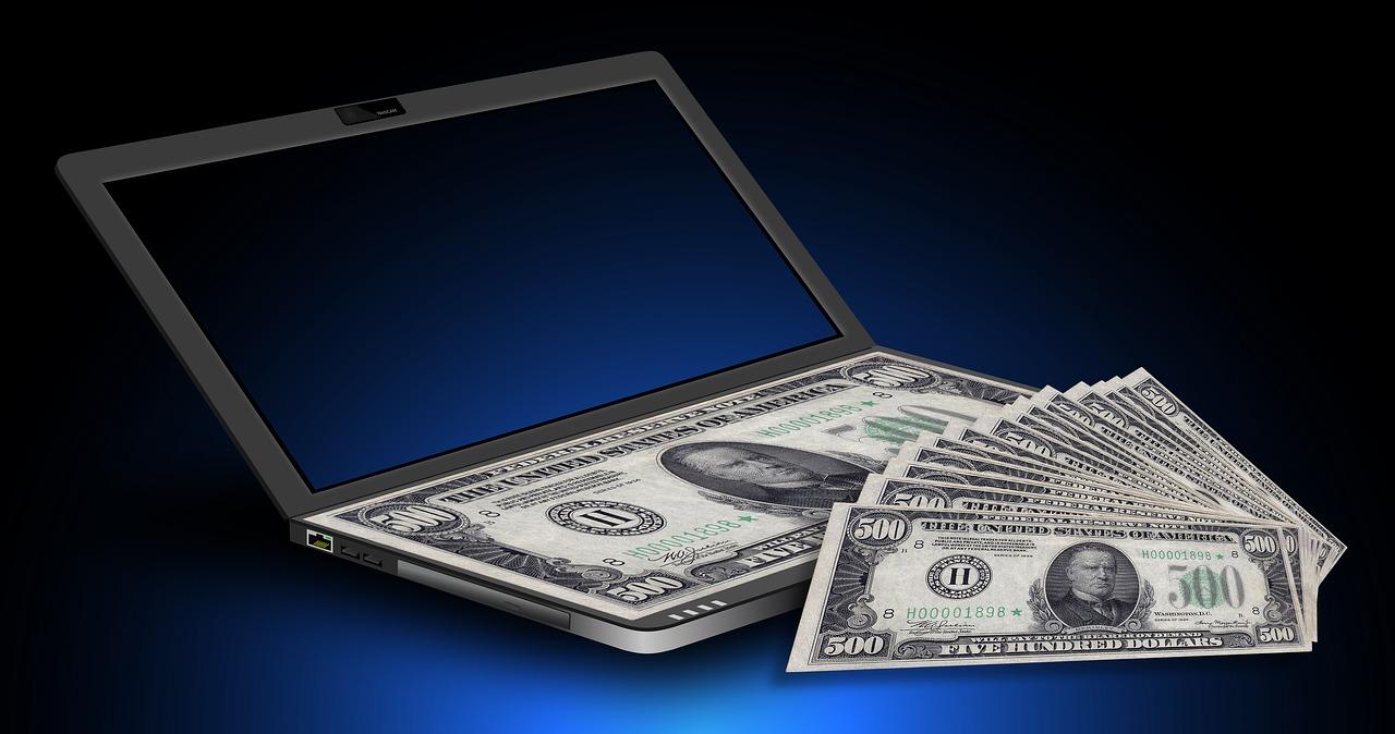užsidirbti pinigų advokatui internete