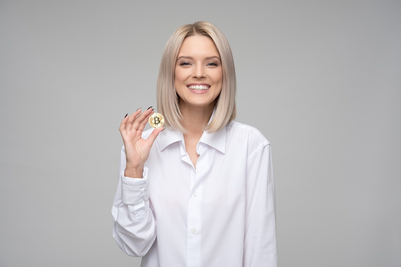 investuoja kriptovaliut)