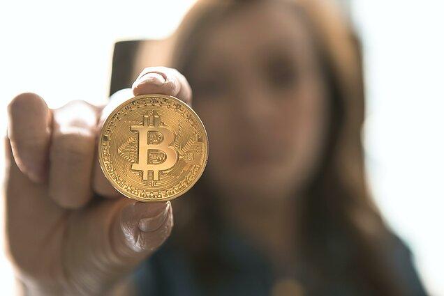 kriptovaliuta kuri verta investuoti i savait)